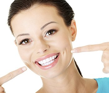 Dr Greenberg explains how cosmetic dental work can make you look younger